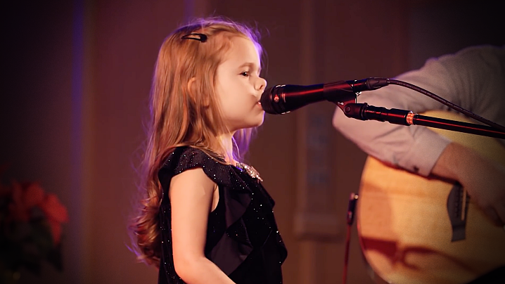 Oh Holy Night - Claire Ryann Crosby Live Christmas Concert