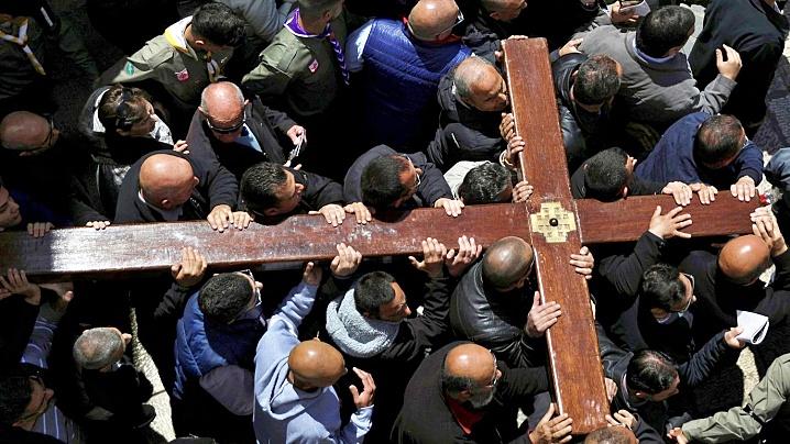 """La Ierusalim, """"Calea Crucii"""" pe social-media în timpul pandemiei cu Frații franciscani"""