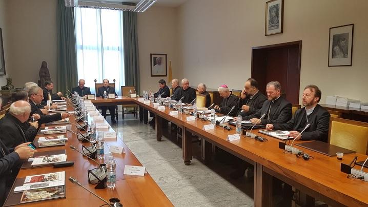 FOTO: Ierarhii catolici din România în vizită la Congregaţia pentru Cler