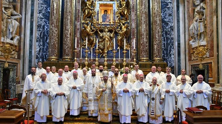 """FOTO: Sfânta Liturghie celebrată de Episcopii din România în Bazilica """"Santa Maria Maggiore"""""""