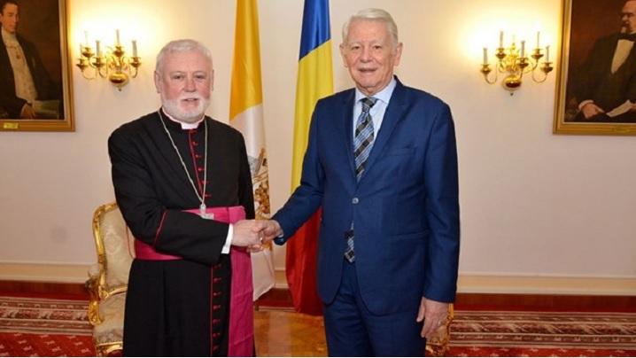 Perspectivele vizitei Papei Francisc, pe agenda consultărilor bilaterale Sfântul Scaun – România