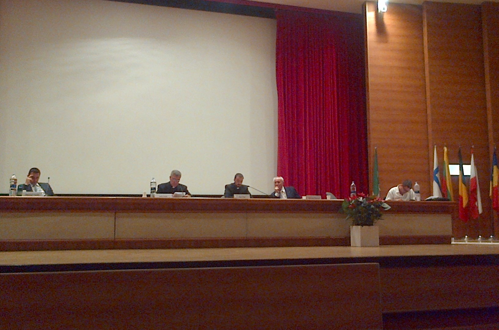 Simpozion international de drept canonic oriental la Bari (Italia)
