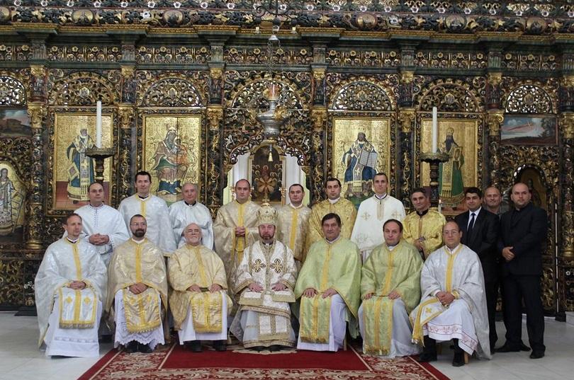 FOTO: promoţia 2000-2004 a  Facultăţii de Teologie din Blaj la aniversarea a 10 ani de la terminarea studiilor