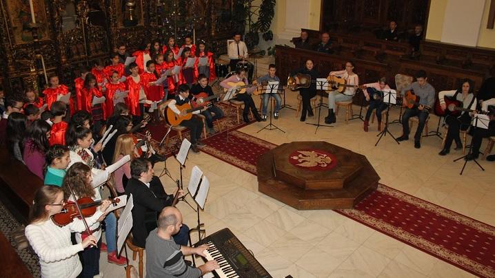 """FOTO: Concert de colinde al tinerilor blăjeni în Catedrala """"Sfânta Treime"""""""