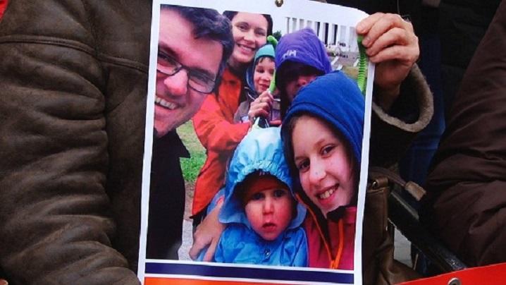 Mii de persoane au protestat în America şi Europa faţă de situaţia familiei Bodnariu