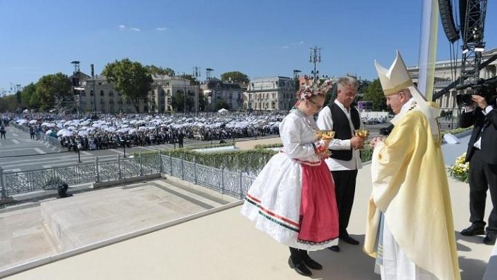 Budapesta. Papa, la Congresul Euharistic: Întâlnirea cu Isus ne transformă
