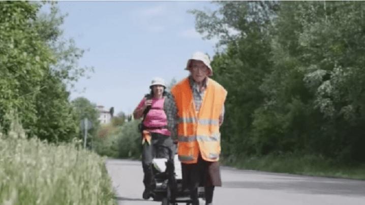 O bunică, în vârstă de 94 de ani, a parcurs 900 de kilometri în 40 de zile