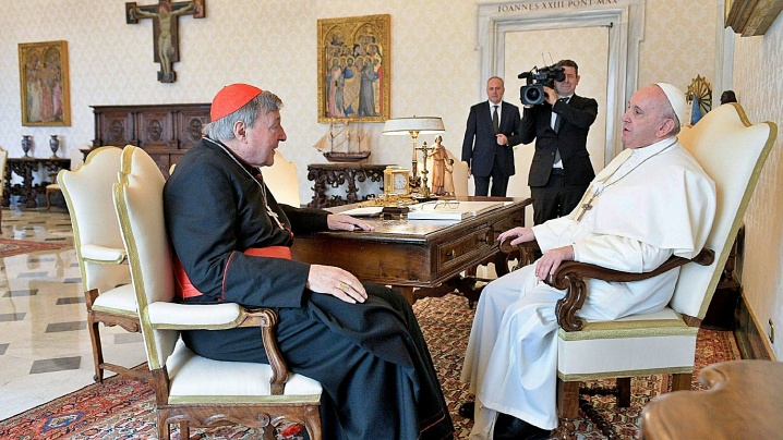 În audiență la papa Francisc, cardinalul George Pell
