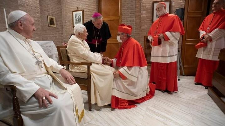 Papa Francisc și noii cardinali, în vizită la Papa emerit Benedict