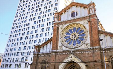 Arhiepiscopia Romano-Catolică îi cere din nou preşedintelui Traian Băsescu să intervină în cazul Cathedral Plaza