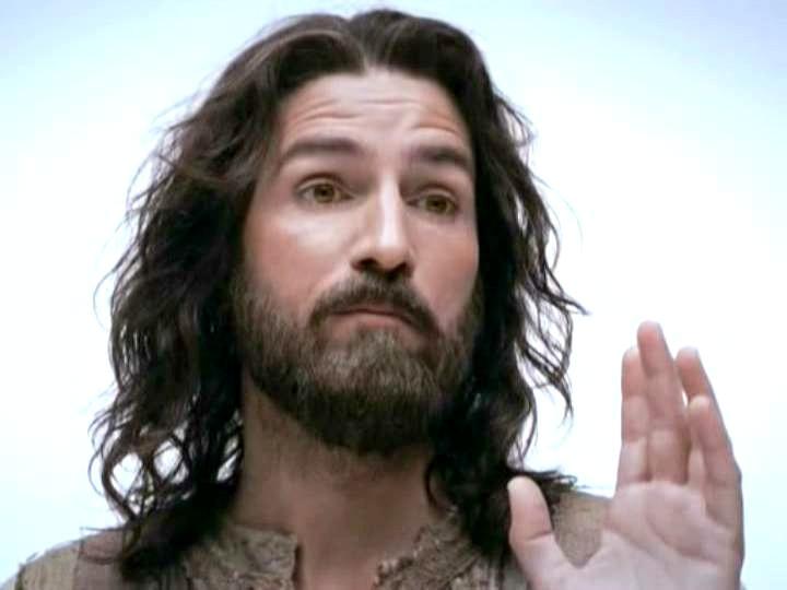 """Interviu cu Jim Caviezel - protagonistul principal al filmului """"Patimile lui Cristos"""""""