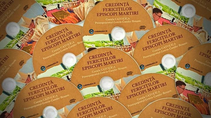 Compact Disc cu cântecele Coralei Catolica interpretate cu ocazia vizitei Papei Francisc la Blaj