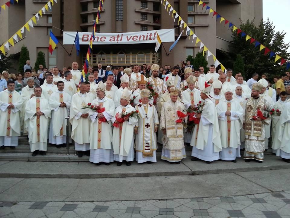 FOTO: Sfânta Liturghie de deschidere a Sesiunii de toamnă CER