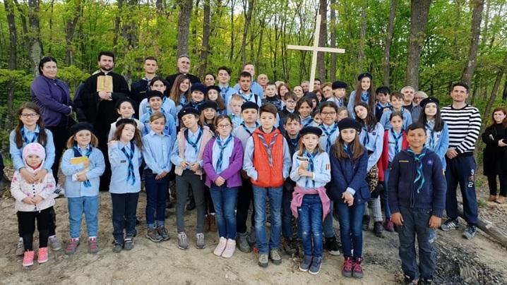 Foto: Tabără de cercetași și Calea Crucii