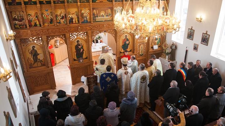 FOTO: Comuniune și rugăciune la Cetatea de Baltă