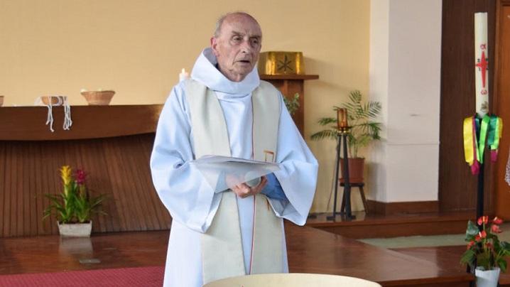 Cine era preotul Jacques Hamel, decapitat în biserica de lângă Rouen (Franța)?