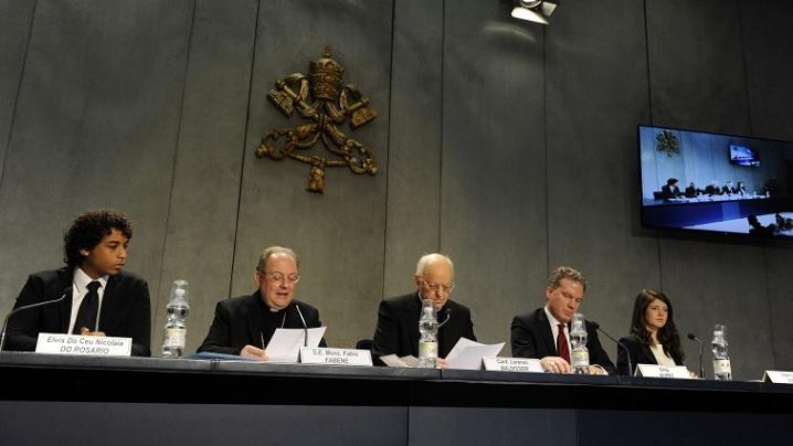 Conferinţă de presă de prezentare a Documentului Pregătitor al celei de-a XV-a Adunări Generale Ordinare a Sinodului Episcopilor despre tineri
