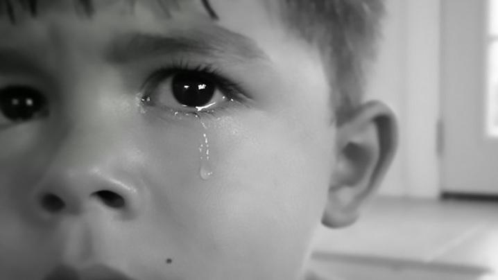 Cuvintele care îi distrug pe copii
