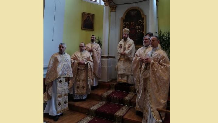 FOTO: Sărbătoarea Nașterii Domnului în parohiile Arhieparhiei de Alba Iulia și Făgăraș