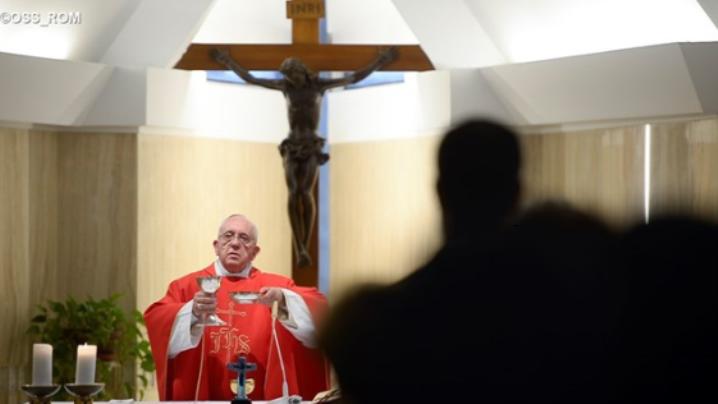 """Omul a fost creat la înălțimea lui Dumnezeu: predica papei Francisc la """"Sf. Marta"""""""