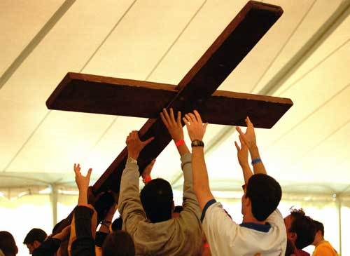 Ucraina: Crucea şi icoana Zilei Mondiale a Tineretului străbat ţara