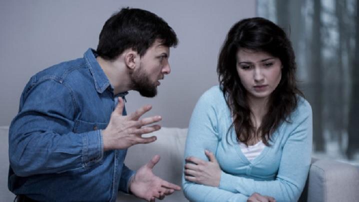 Cum se poate evita agresiunea psihologică din cadrul cuplului