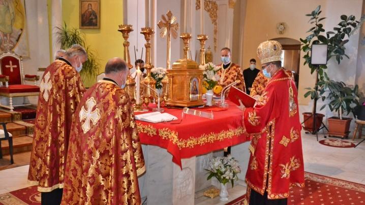 FOTO/VIDEO: Denia celor 12 Evanghelii în Catedrala Blajului