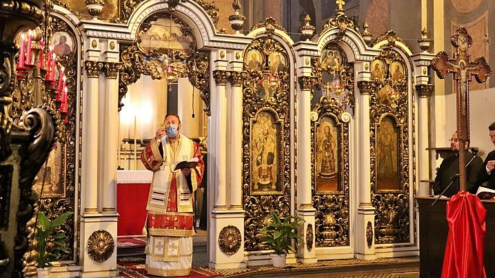 FOTO/VIDEO: Denia celor 12 Evanghelii în Catedrala din Cluj
