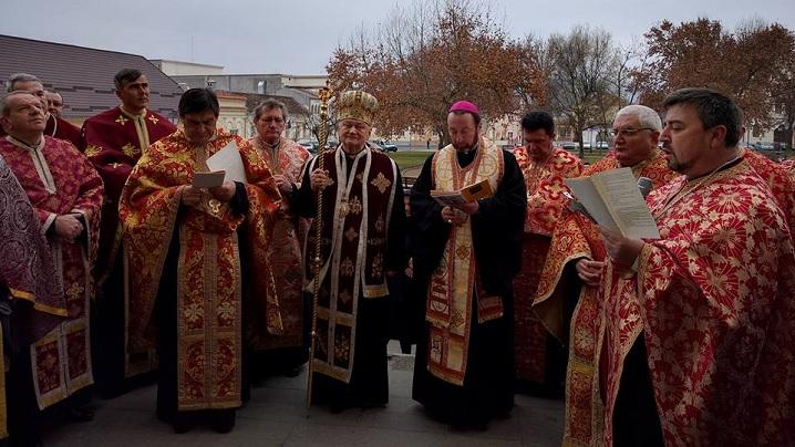 FOTO: Deschiderea Porții Sfinte în Arhieparhia de Alba-Iulia și Făgăraș