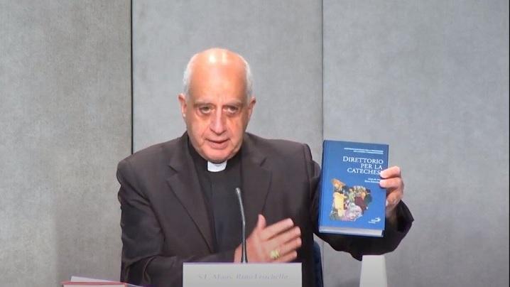 """Noul """"Directoriu pentru cateheză"""": Evanghelia mereu actuală, în lumina culturii întâlnirii"""