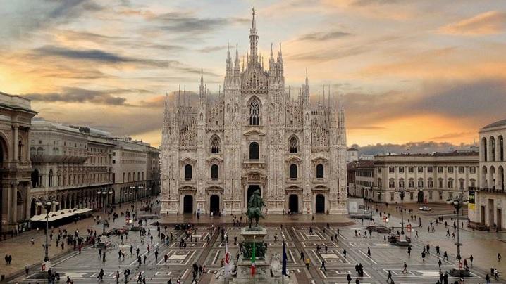 VIDEO: Catedrala construită în 400 de ani și cu 3400 de statui
