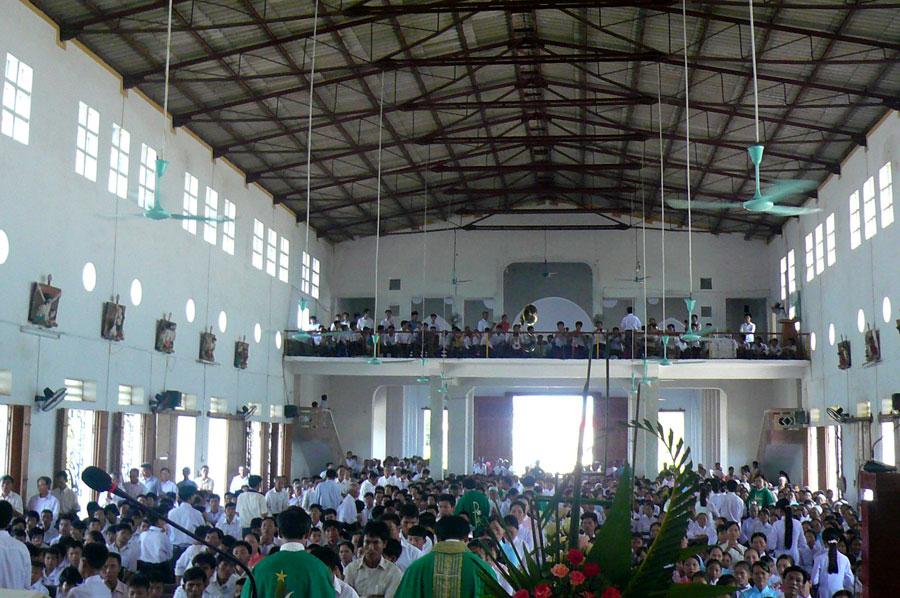 Aflux de vocații sacerdotale în Vietnam