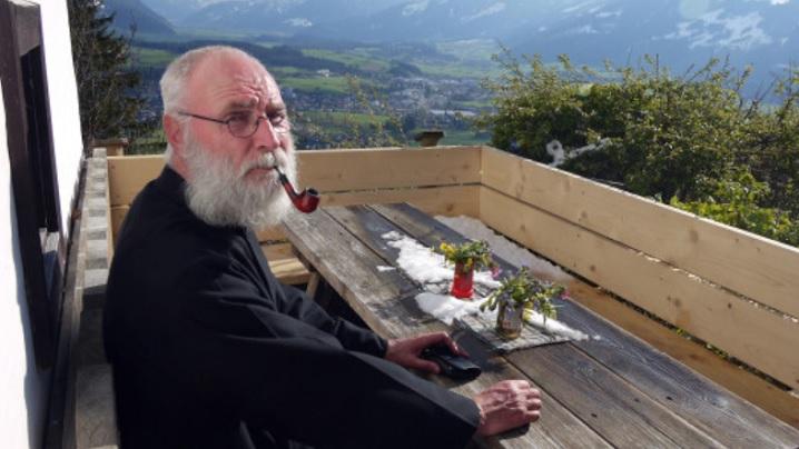 Un sat austriac recrutează pe bază de candidatură...noul pustnic!