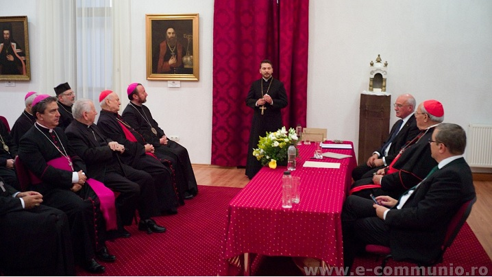 "Foto: Expoziția omagială ""Un secol de comuniune"" la Muzeul Arhiepiscopiei Majore"