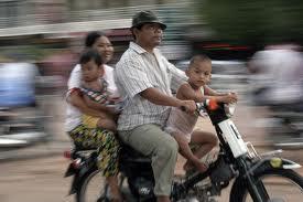 Acolo unde familia a fost abolită: Cambodgia lui Pol Pot