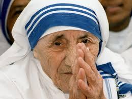 05 septembrie 1997: Maica Tereza de Calcutta a trecut la Domnul
