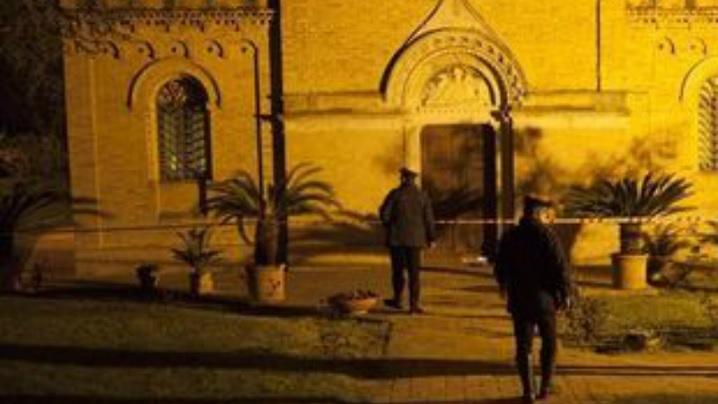 În Italia a explodat o bombă în fața unei biserici