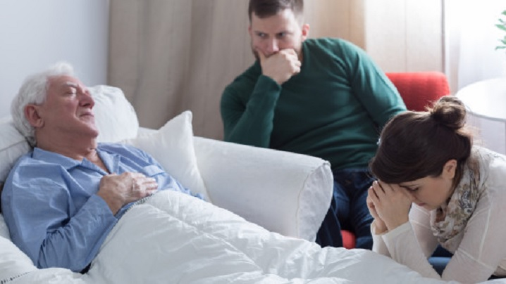 Cum să susții apropiații unei persoane aflate în stadiu terminal