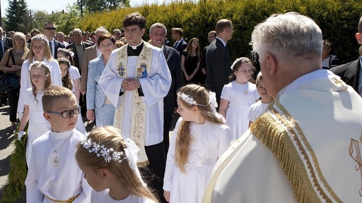 Când fiul unui prim-ministru devine preot