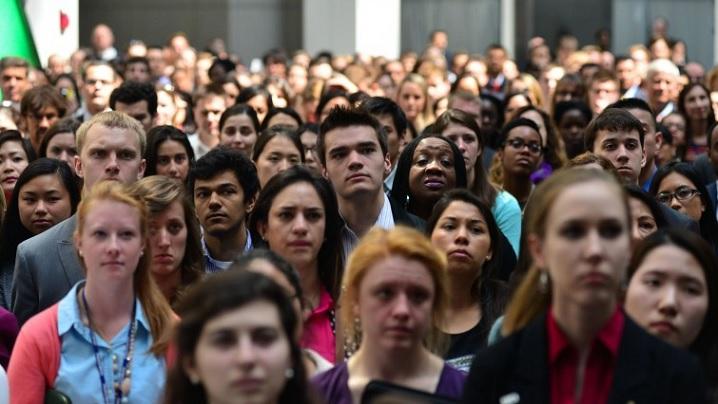 Puternici dar fragili: contradicțiile generației Millennials