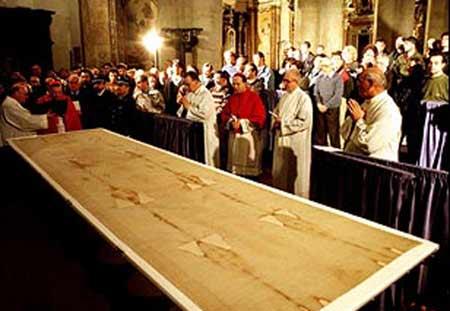 Învierea: confirmări pe Giulgiul din Torino