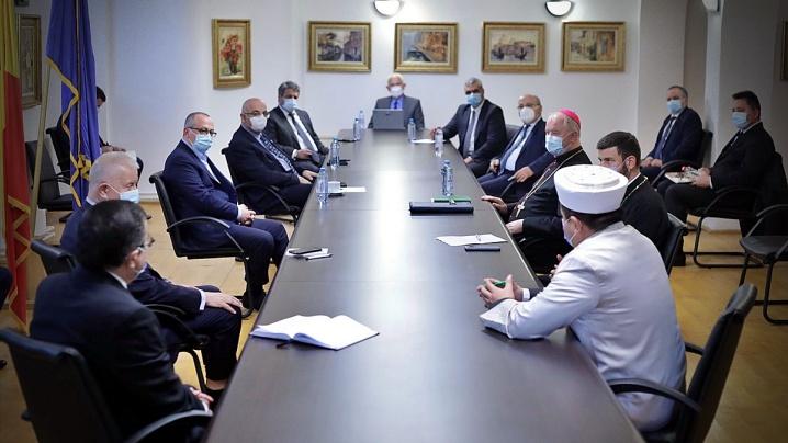 SARS-CoV-2: Dialog între reprezentanții cultelor și autoritățile publice