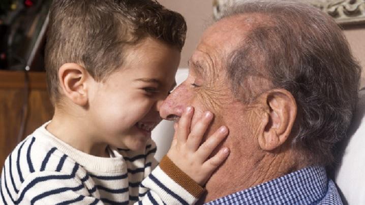 Să-i ascultăm pe cei vârstnici, ca să nu greșim atât de mult