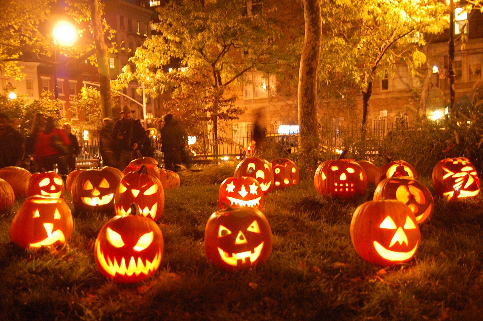 Halloween, sărbătoarea dovlecilor...goi