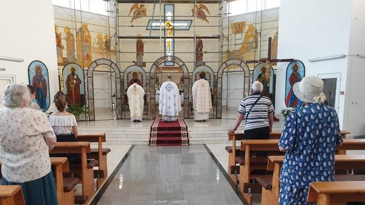 """Foto: Hramul parohiei """"Sfântul Petru"""" din Brașov"""