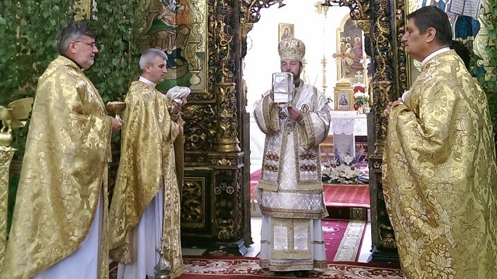"FOTO: Hramul Catedralei Arhiepiscopale Majore ""Preasfânta Treime"" din Blaj"