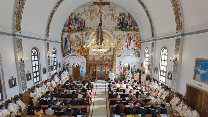 FOTO: Întâlnirea Arhieparhială a tinerilor și copiilor din Arhieparhia de Alba Iulia și Făgăraș