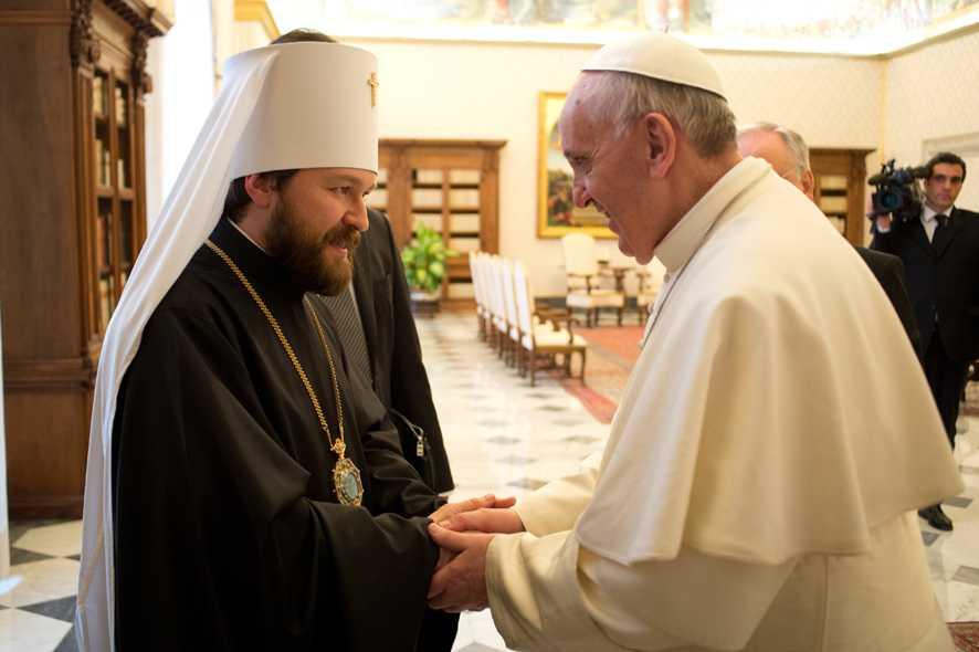 Biserica Ortodoxă Rusă se pregătește pentru o întâlnire între Papa Francisc și Patriarhul Kirill