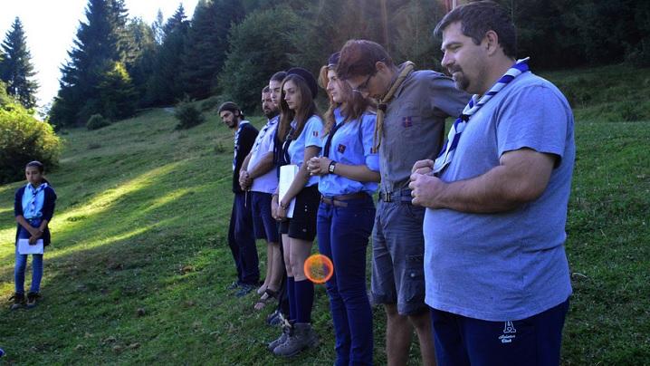 FOTO: În tabără, cu Cercetaşii Români Uniţi
