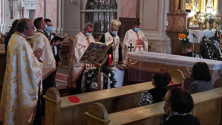 Preasfinția Sa Cristian la înmormântarea Părintelui Bogdan Gheorghe
